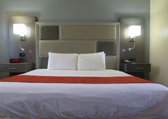 Magnuson Grand Bonanza Inn - Yuba City - Bedroom