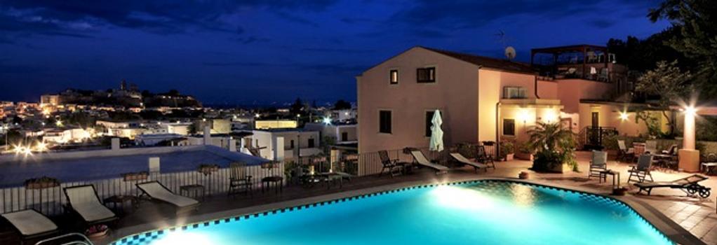 Hotel Villa De Pasquale - Lipari - Pool