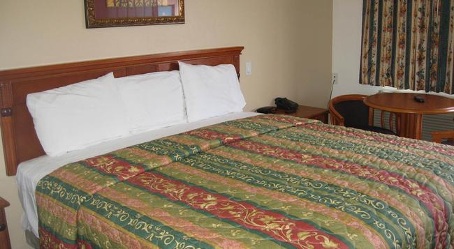 Tower Motel Long Beach - Long Beach - Bedroom