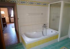 Castello di Tavolese - Certaldo - Bathroom
