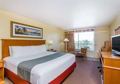 Ramada Plaza Fort Walton Beach Resort/Destin - Fort Walton Beach - Bedroom