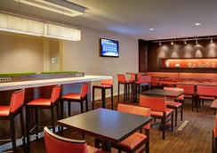 Courtyard by Marriott Dallas DFW Airport South/Irving - Irving - Restaurant