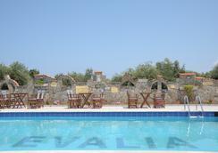 Evalia apts - Anissaras - Pool