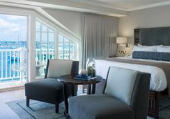 Forty 1 North - Newport - Bedroom
