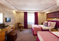 Carlton Hotel - Istanbul - Bedroom