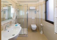 Hotel Maja - Pescara - Bathroom
