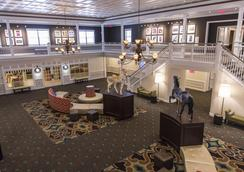 Cedar Point's Hotel Breakers - Sandusky - Lobby