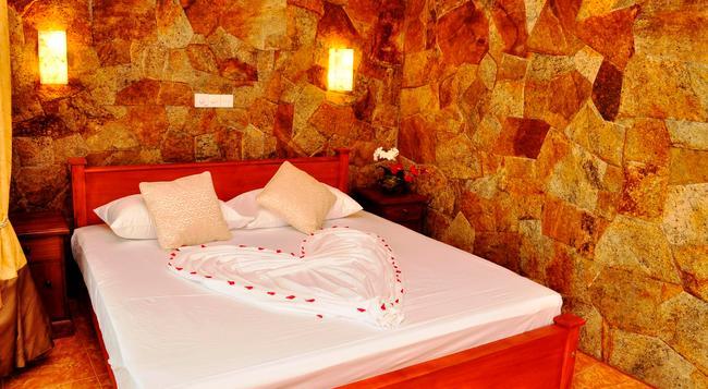 Hotel Amarit - Bentota - Bedroom