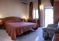 Motel Salaria - Rome - Bedroom