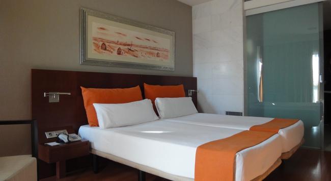 Eurohotel Barcelona Gran Via Fira - L'Hospitalet de Llobregat - Bedroom