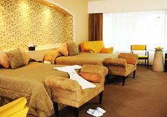 Hotel Baruk Teleferico y Mina - Zacatecas - Bedroom