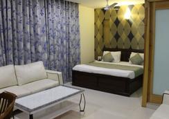 Hotel River View - New Delhi - Bedroom