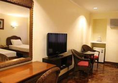Vacation Hotel Cebu - Cebu City - Bedroom