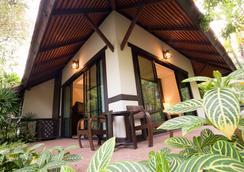 Horizon Village & Resort Chiangmai - Chiang Mai - Balcony