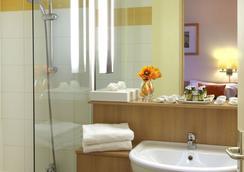 Citadines Didot Montparnasse Paris - Paris - Bathroom