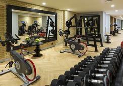 La Clef Tour Eiffel - Paris - Gym