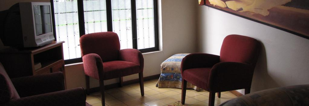 Hotel Casa Echavarria - San Jose - Living room