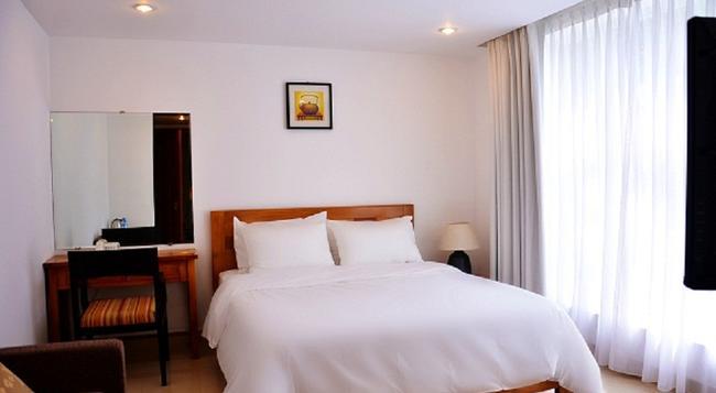 Crown Diamond Hotel - Ho Chi Minh City - Bedroom