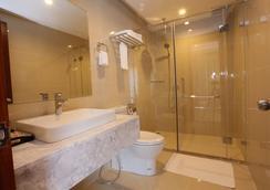 Crown Diamond Hotel - Ho Chi Minh City - Bathroom