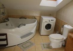 Klaipeda-Apartments - Klaipeda - Bathroom