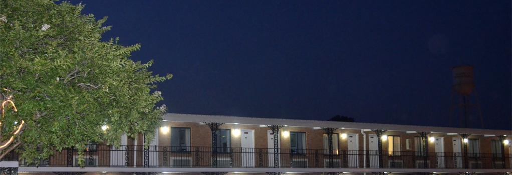 Olde Town Inn - Manassas - Building