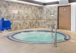 Comfort Suites - Vancouver - Spa