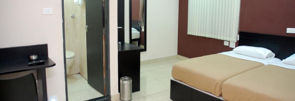 Hotel Sri Krishna Residency - Udupi - Bedroom
