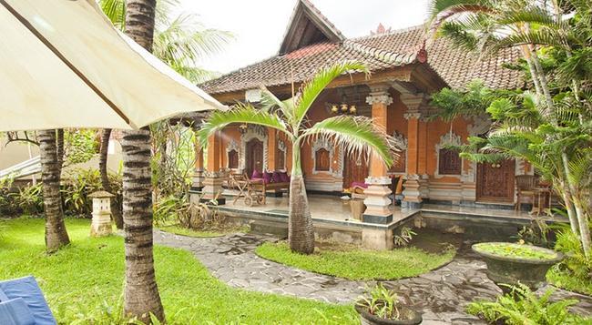 Apa Kabar Villas - Karangasem City - Building