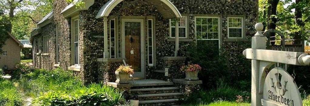 Aberdeen Stone Cottage Bed & Breakfast - Traverse City - Building