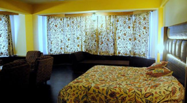 Welcome Hotel at Srinagar - Srinagar - Bedroom