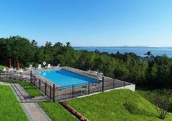 Atlantic Eyrie Lodge - Bar Harbor - Pool