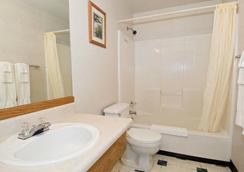 Sequim Bay Lodge - Sequim - Bathroom