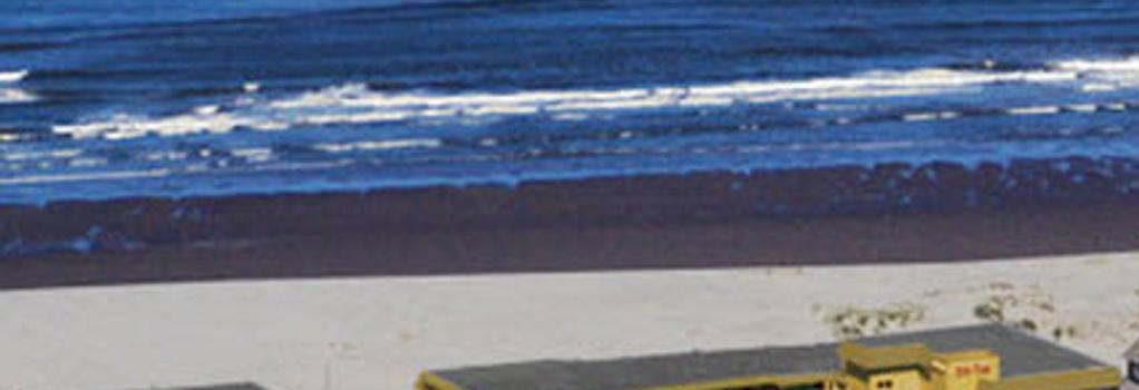 Ebb Tide Oceanfront Inn - Seaside - Building