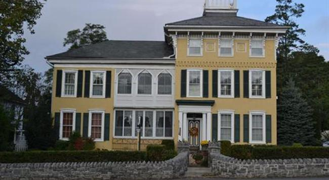 E J Bowman House Bed & Breakfast - Lancaster - Building