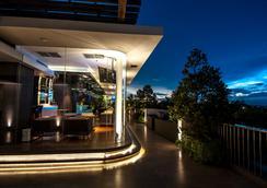 Fm7 Resort Hotel Jakarta - Tangerang - Bar