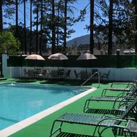Big Pines Mountain House Outdoor Pool