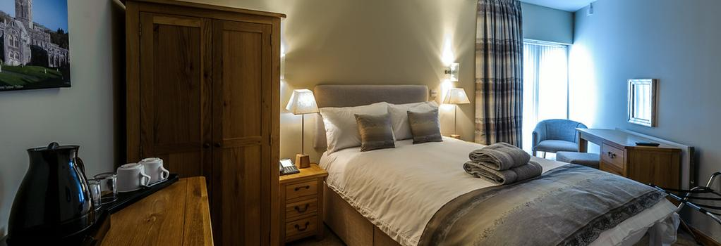 Old Post House - Cardiff - Bedroom