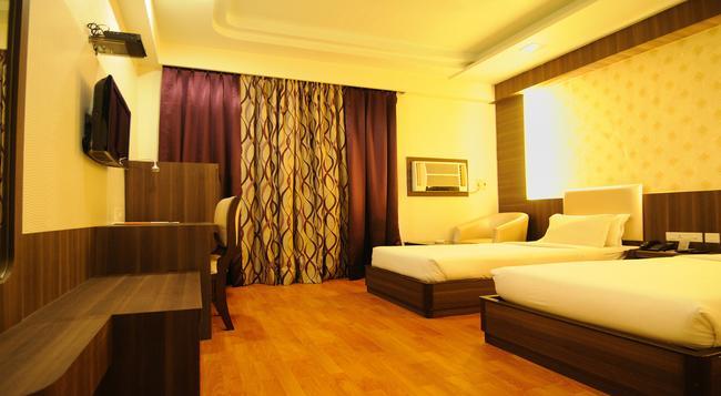 Sojourn - Kolkata - Bedroom