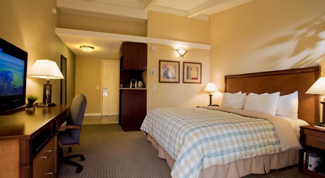 Red Cottage Inn & Suites - Menlo Park - Bedroom