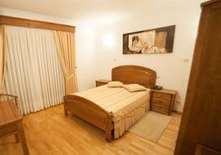 Hotel Estalagem Turismo - Bragança - Bedroom