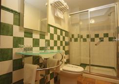 Hostal Alameda - Tarifa - Bathroom
