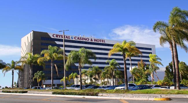 LA Crystal Hotel - Compton - Building