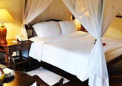 Safari Park Hotel And Casino - Nairobi - Bedroom