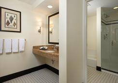Inn at Pelican Bay - Naples - Bathroom