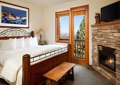 Juniper Springs Resort - Mammoth Lakes - Bedroom