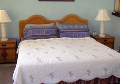 The Desoto Inns - Hollywood - Bedroom