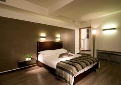 Hotel Trevi - Rome - Bedroom
