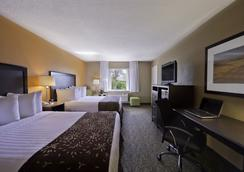 Best Western Palm Beach Lakes - West Palm Beach - Bedroom