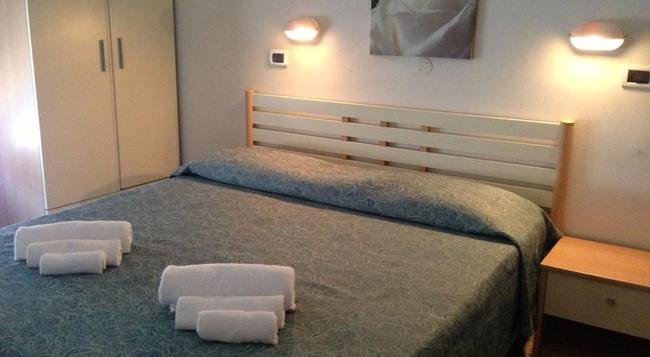Albergo Villa Arlotti - Rimini - Bedroom