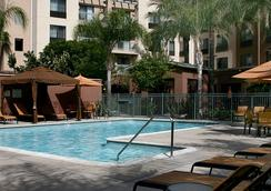 Courtyard by Marriott Los Angeles Burbank Airport - Burbank - Pool